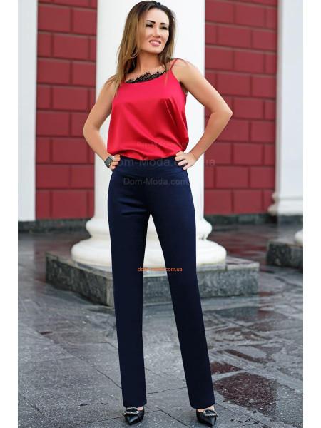 Стильні класичні брюки для повних дівчат