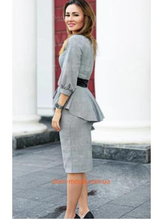 Женский клетчатый костюм с юбкой большого размера