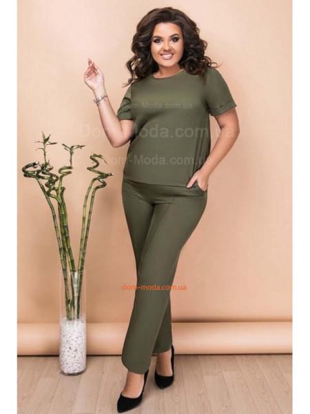 Костюм із брюками великого розміру