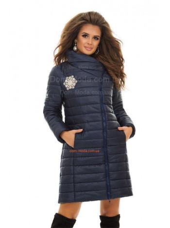 Елегантна зимова куртка з вишивкою