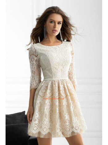 Коктельное пышное платье из гипюра