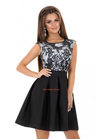 Красиве літнє плаття на день народження