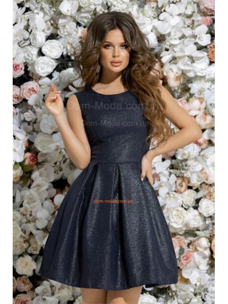Короткое вечернее платье с фатиновым подъюбником
