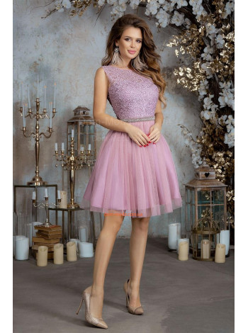Короткое вечернее платье с пышной юбкой из сетки