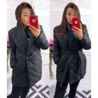 Жіноча куртка подовжена з кишенями