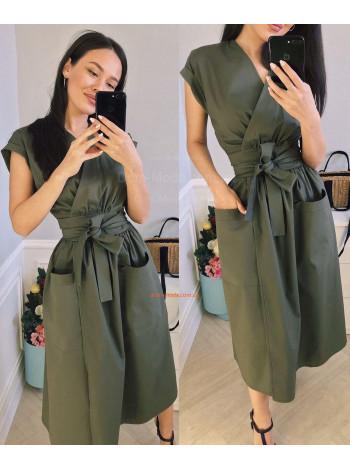 Літнє плаття міді з запахом у діловому стилі