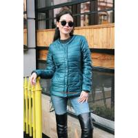 Демісезонна жіноча куртка коротка