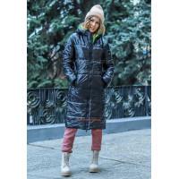 Довга жіноча куртка прямого крою