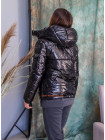 Жіноча коротка куртка з капюшоном