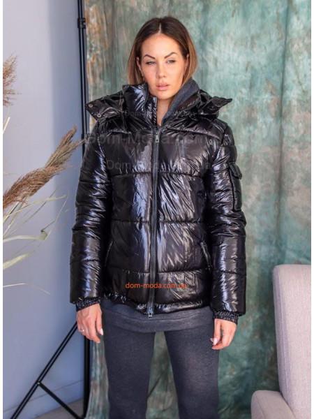 Женская короткая куртка с капюшоном
