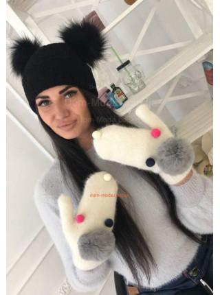 Білі рукавиці з ангори з помпонами