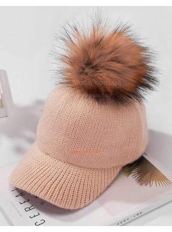 Женская кепка с помпоном