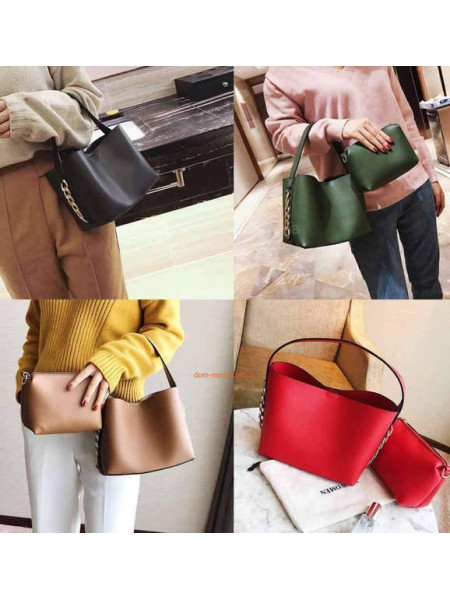 Маленька жіноча сумочка і клатч