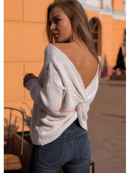 В'язаний светр з відкритою спиною