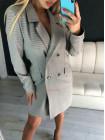 Женский удлиненный пиджак в гусиную лапку