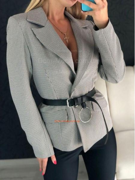 Модный женский пиджак в гусиную лапку