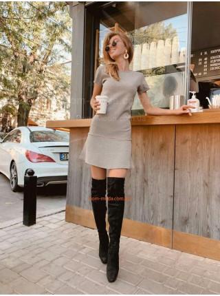 Короткое модное платье в гусиную лапку