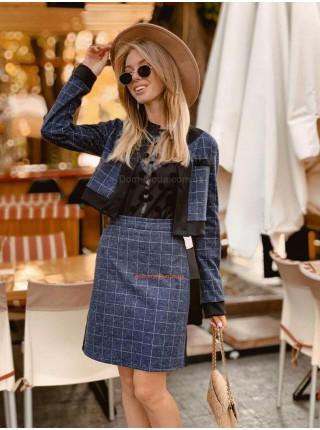 Жіночий модний костюм зі спідницею в клітку