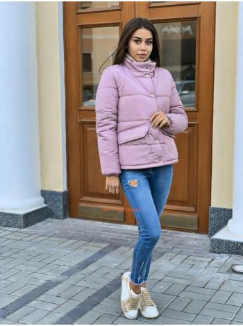 Коротка зимова куртка на кнопках