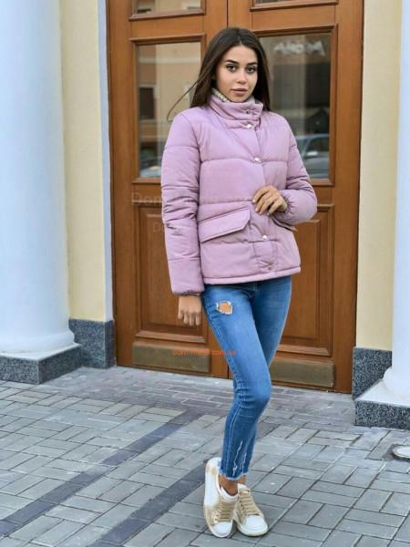 Короткая зимняя куртка на кнопках