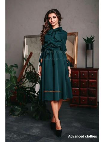 Красиве жіноче плаття за коліно