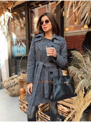 Женское теплое пальто на пуговицах