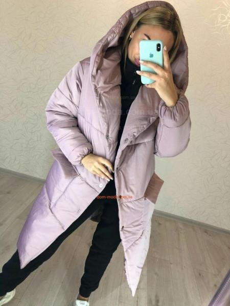 Жіноче зимове пальто із капюшоном