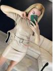 Короткое кожаное платье с объемными рукавами