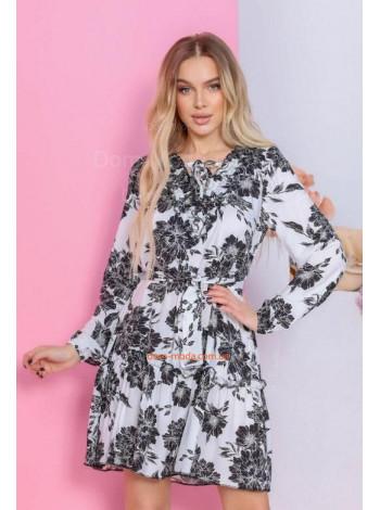 Короткое стильное платье в цветочный принт