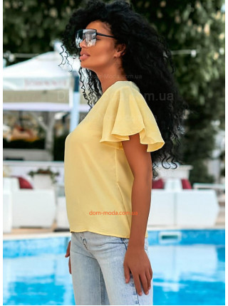 Летняя блузка с рукавом воланом
