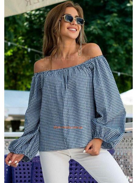 Блузка с открытыми плечами и длинными рукавами