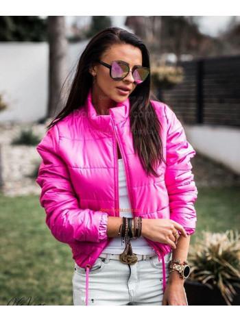 Модна жіноча коротка куртка