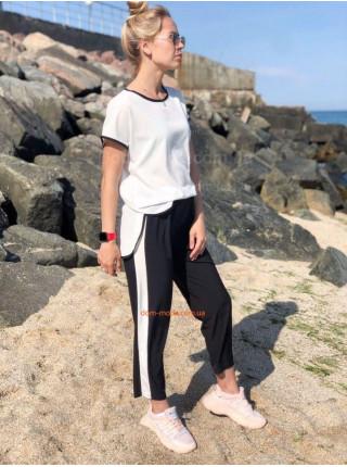 Літній жіночий спортивний костюм із бриджами