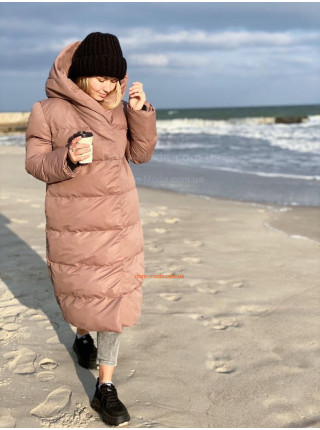 Женская зимняя удлиненная куртка пальто с капюшоном