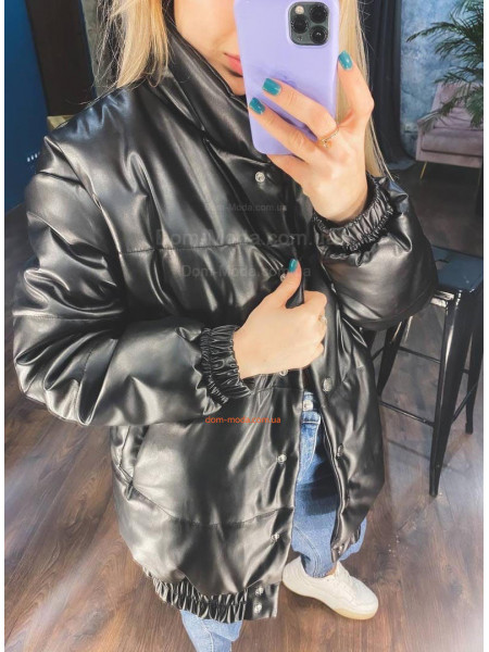 Теплая кожаная куртка женская