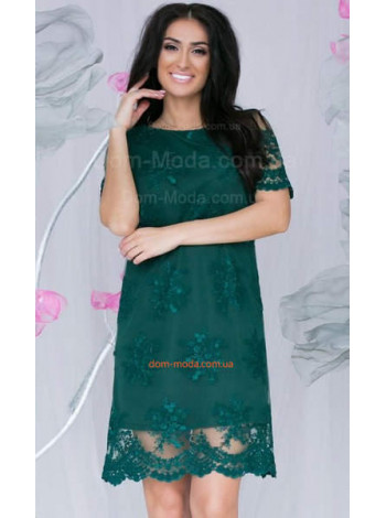 Короткое вечернее платье с вышивкой