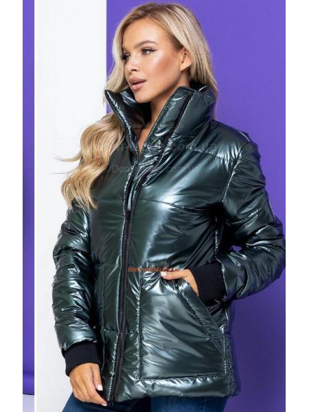 Блестящая зимняя куртка