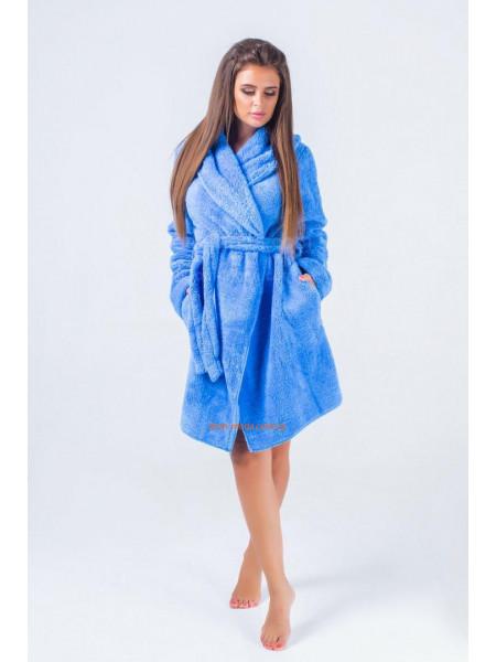 Короткий жіночий махровий халат з капюшоном
