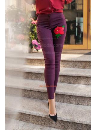Стрейчеві жіночі джинси скіні з вишивкою Стрейчеві жіночі джинси скіні з  вишивкою КУПИТИ ОНЛАЙН ea527c554aaa8