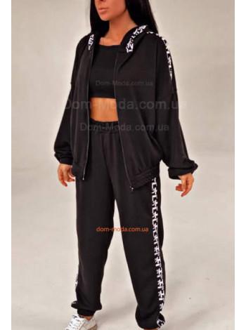 Модный спортивный костюм черного цвета