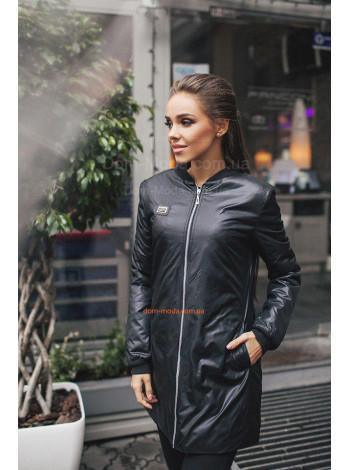 Подовжена осіння куртка в спортивному стилі