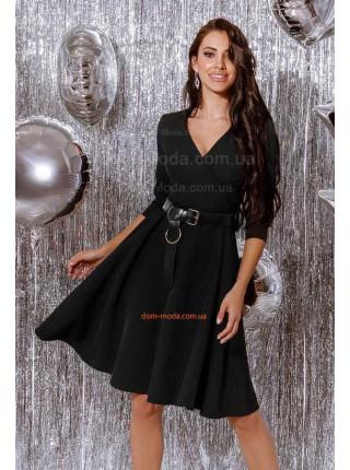 Женское платье с широким ремнем