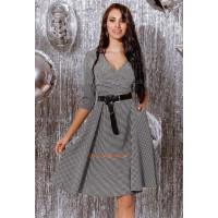 Женское стильное платье с вырезом в гусиную лапку