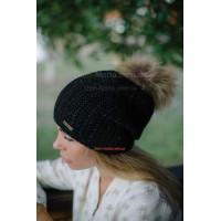 Женская вязаная шапка на флисе с помпоном