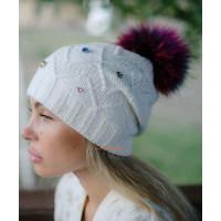 Зимняя женская шапка с меховым помпоном енот