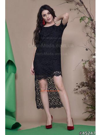 Жіноче чорне плаття з відкритими плечима