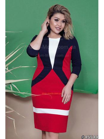 Женское деловое платье футляр с геометрическими вставками