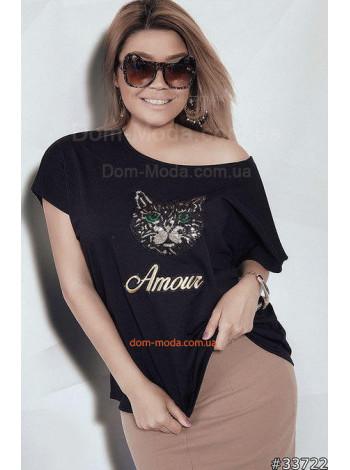 Черная женская футболка с принтом для полных