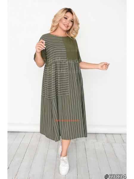 Плаття в полоску великого розміру