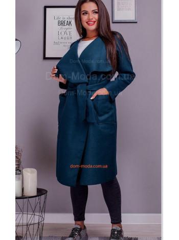 Женское уделенное пальто на запах для полных